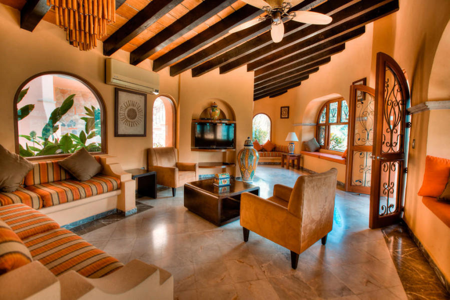 An extraordinary villa nestled at the top of Lomas de Mismaloya, Casa Patricia is the ideal private luxury retreat.