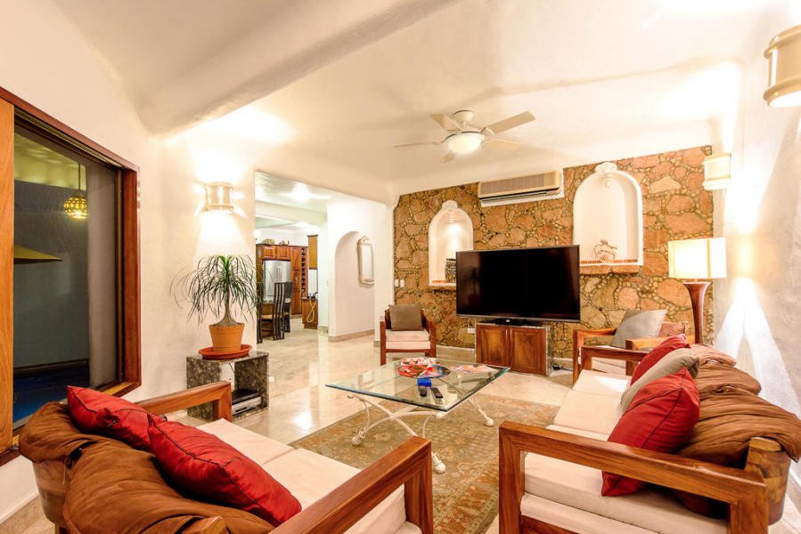 Casa Caracol offers spacious living areas ideal for a large family.