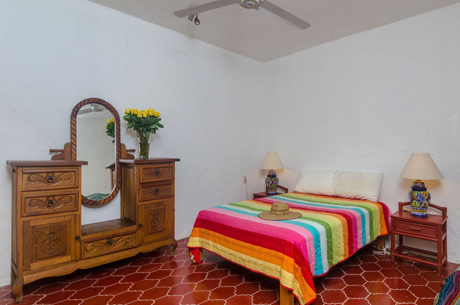 Casa de los Escritores is an income producing property in the center of town, walk to everything, restaurants and shopping.