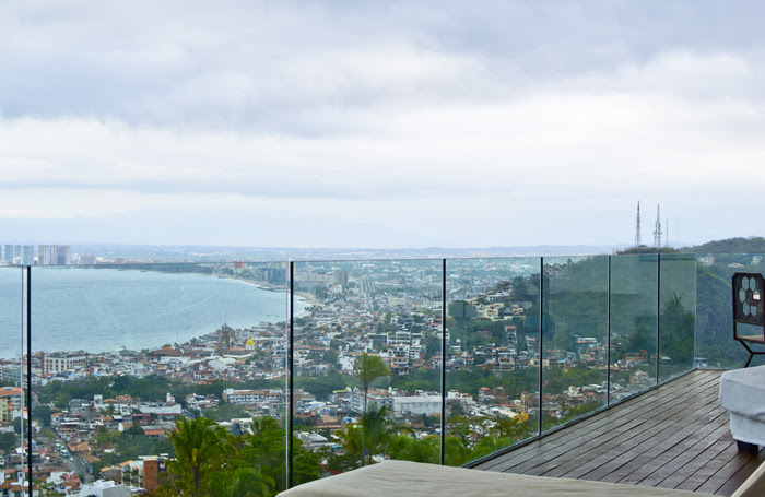 Avalon 703 / 704. Enjoy stunning city and ocean views from the terrace