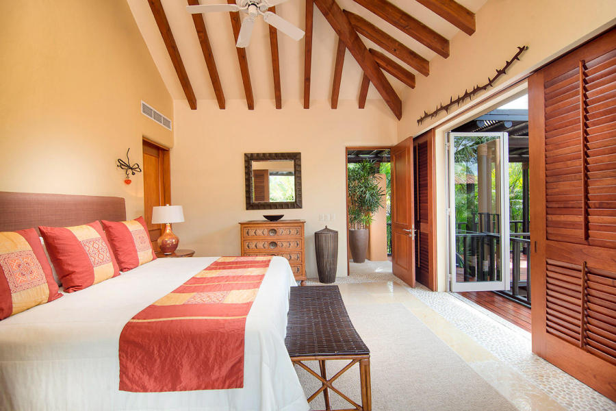 Casa Bahia is a beautiful oceanfront villa with expansive bay views, sierra madre mountains Marietas Islands