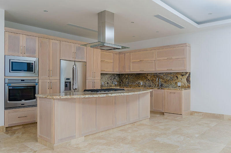Sayan Beach 5f custom built kitchen cabinets with the most beautiful granite countertops