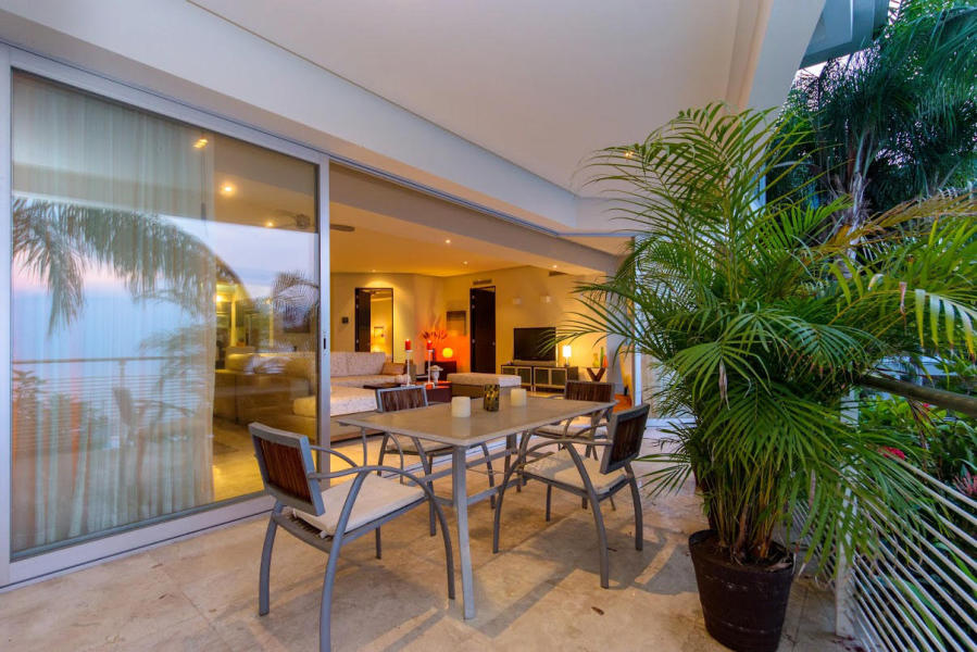 Condo Horizon 108. Sleek features unobstructed views of  Puerto Vallarta and Banderas Bay.