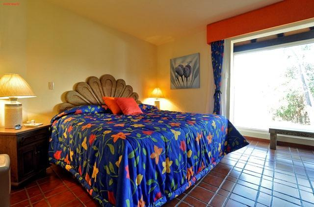 Quimixto 422 is a 2 bedroom unit with one and half bathroom, it is on the second story.