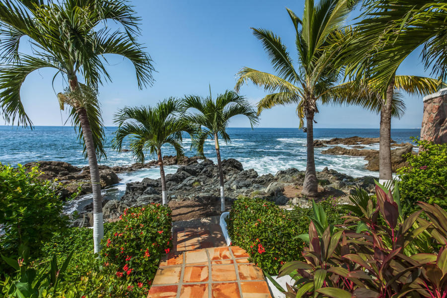 Casa Carole is conveniently located just minutes from the heart of downtown Puerto Vallarta.
